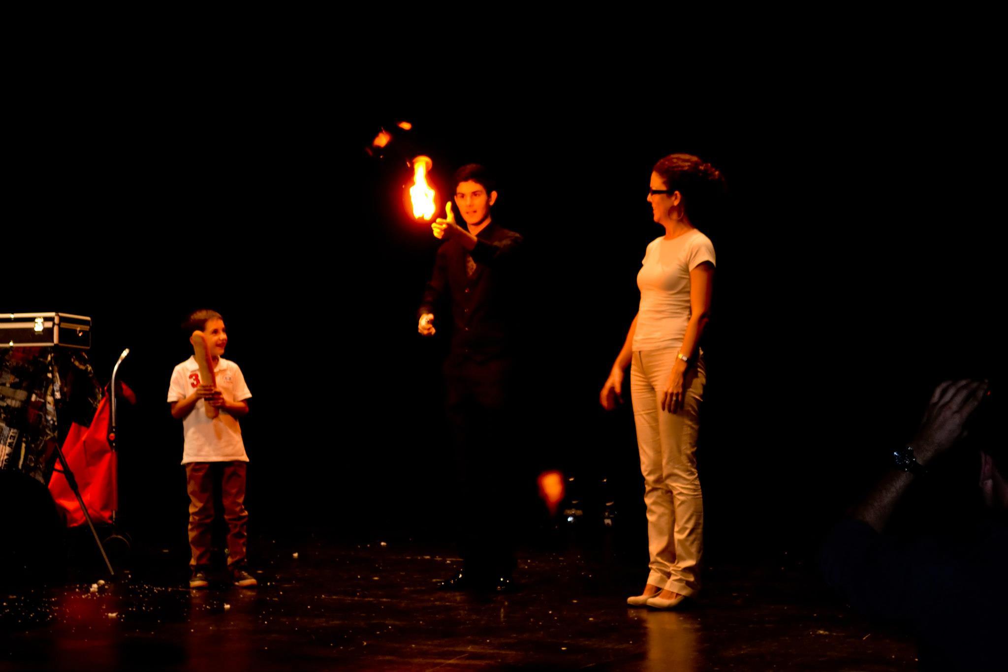 Magia para teatros - MagicLuis el MAGO